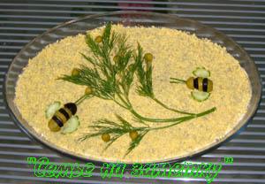 Салат Мимоза с маслом украшение