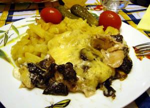 курица с грибами под сыром