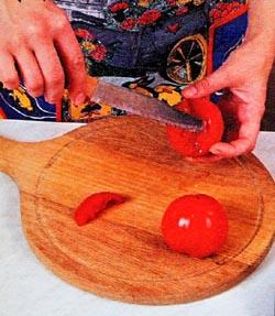 Готовим помидоры фаршированные салатом