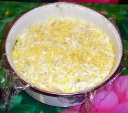 Слой яиц в салате Грибная поляна