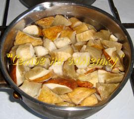 Варим грибы для салата Русь