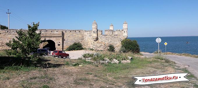 Стоянка около крепости Еникале в Керчи