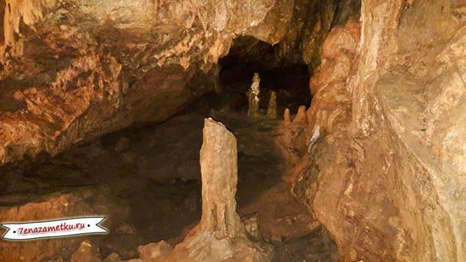 В Красной пещере в Крыму