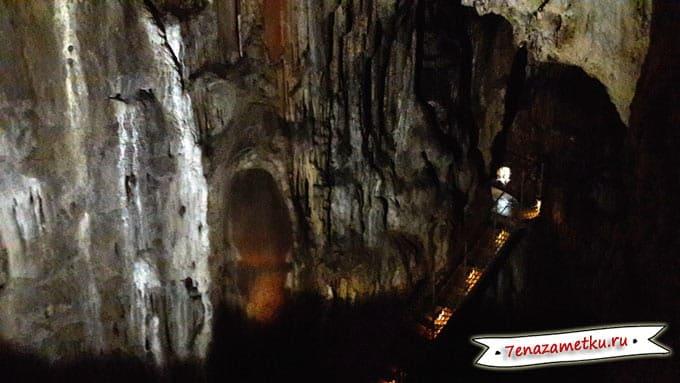 Переходы с одного яруса на другой в пещере Эмине-Баир-Хосар